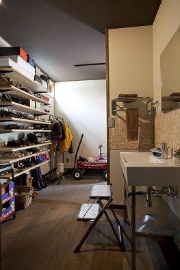屋上ベランダのあるミッドセンチュリーの家画像02