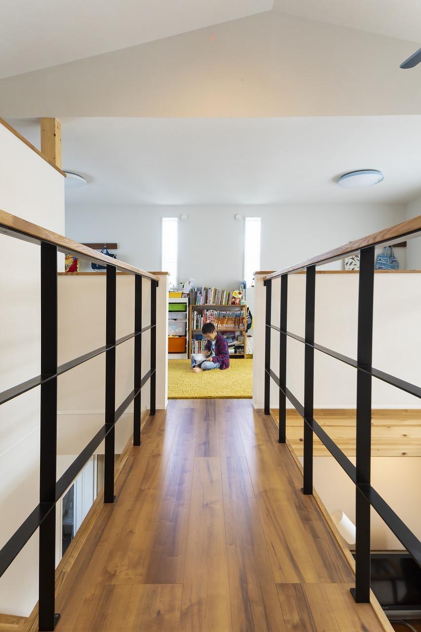 扉を極力へらした開放的な家画像03