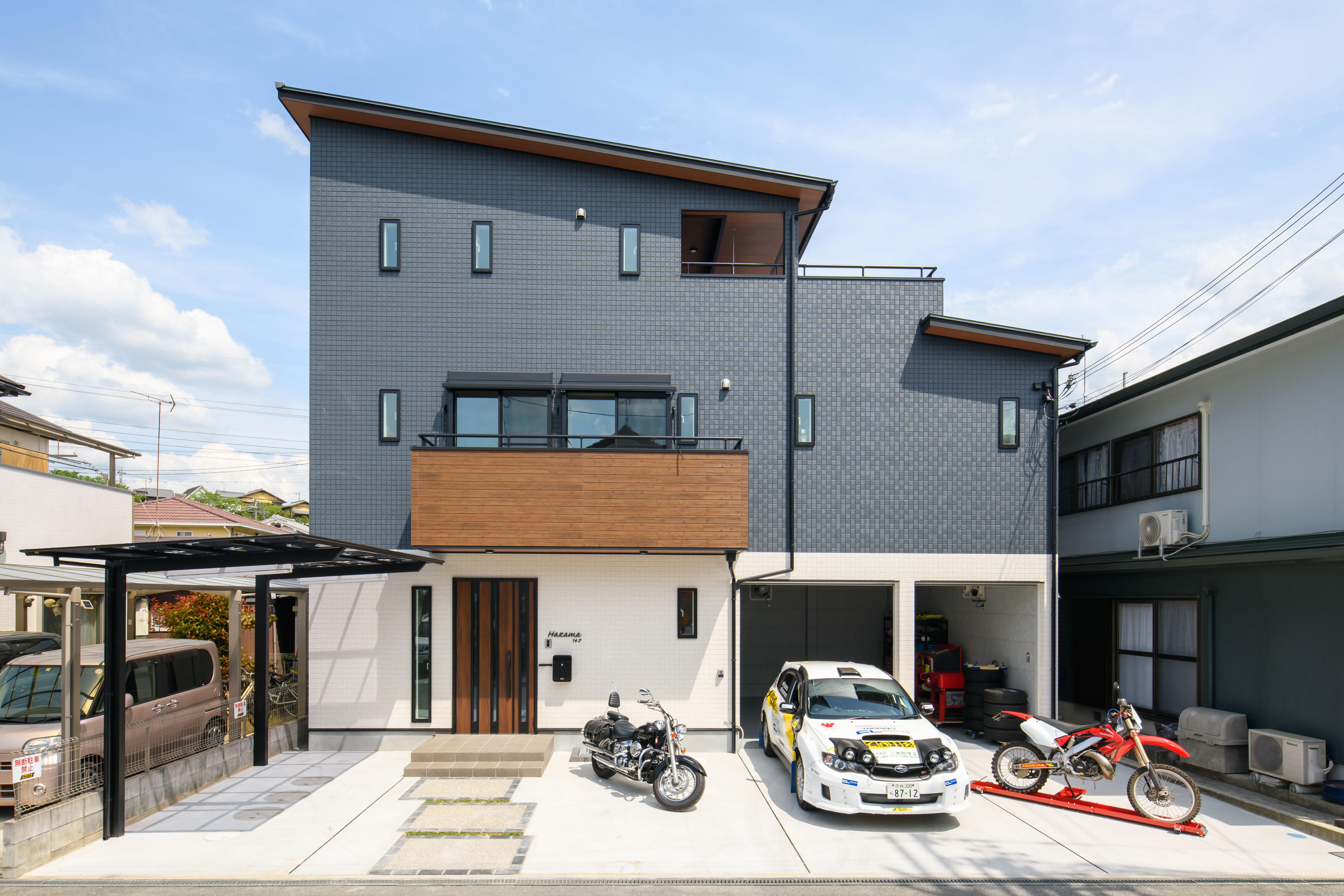 ドライバーが車いじりするための3階建て屋上つきガレージハウス画像02
